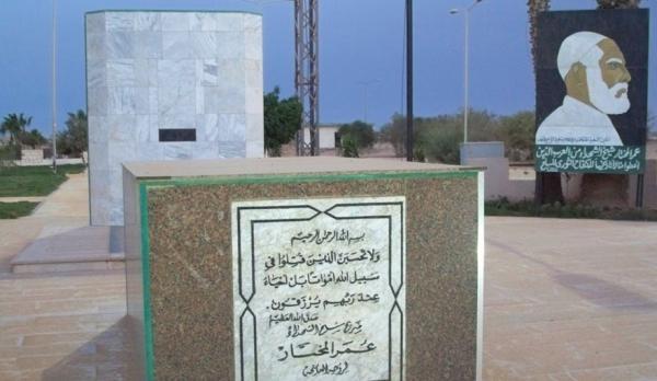 """غليان في ليبيا بعد إقدام الجنرال الانقلابي """"حفتر"""" على هدم قبر المجاهد """"عمر المختار"""""""