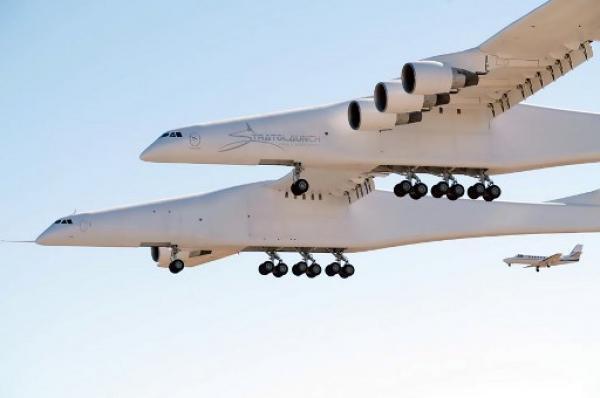بالفيديو.. أضخم طائرة بالعالم تحلق لأول مرة
