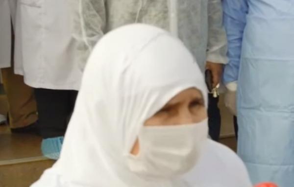 بالفيديو...هذا ما قالته سيدة فقدت زوجها بكورونا وغادرت المستشفى بعد تماثلها للشفاء من الإصابة