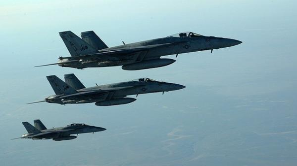 """العراق: مقتل عشرة من مسلحي تنظيم """"داعش"""" بقصف جوي غرب بغداد"""