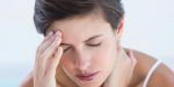 8 عادات يومية تسبب الصداع .. تجنبها