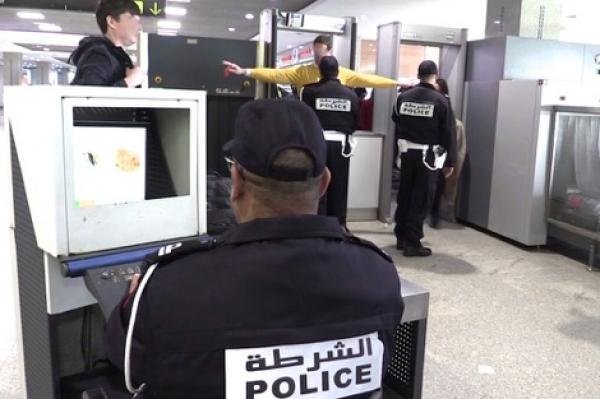 السلطات المغربية تُحقق لتحديد هوية شخص أدخل سلاحا إلى طائرة متجهة نحو أكادير