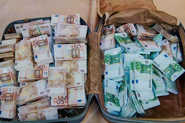 مافيا تهريب الأموال من المغرب تلجأ إلى حيلة شيطانية بعيدا عن الرقابة
