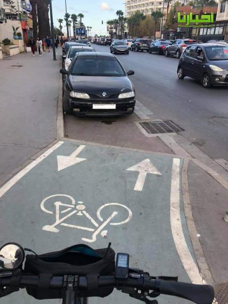 عندما تسود الفوضى بالمدينة الذكية: طريق الدراجات تحتله السيارات