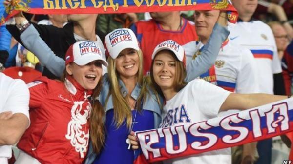 تحقيقات حول الدعوة لإقامة علاقات مع الحسناوات الروسيات في المونديال