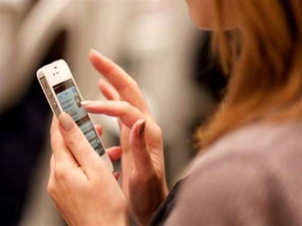 سجن زوجة 3 أشهر بسبب تجسسها على هاتف زوجها بدون إذنه في الإمارات