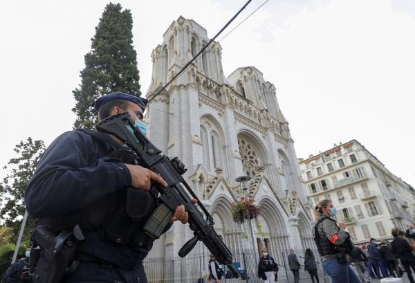 أول تعليق رسمي مغربي على العملية الإرهابية التي هزت فرنسا اليوم