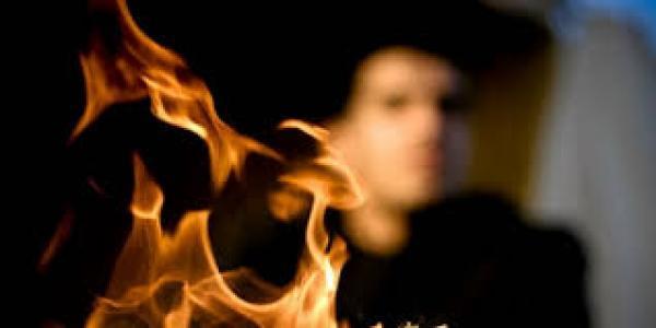 جريمة بشعة .. شاب يضرم النار في ابنة عشيقته ضواحي أكادير