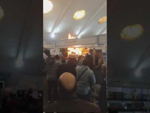 فيديو: اندلاع حريق في معرض الكتاب بالدار البيضاء
