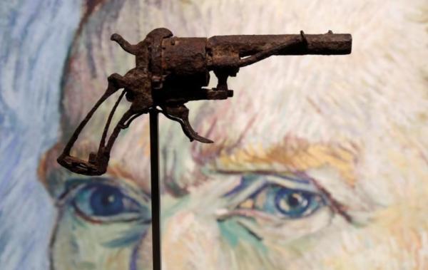 بهذا الثمن بيع المسدس الذي انتحر به فان جوخ