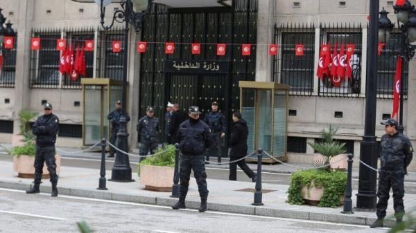 """تونس.. الداخلية تُوجه تهمة القتل الخطأ لمن ينقل عدوى """"كورونا"""" ويتسبب في حالة وفاة"""