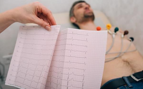 من الاكثر عرضة لأمراض القلب : طوال القامة أم قصار القامة؟