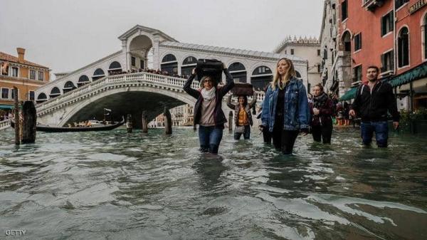"""فيضانات تاريخية تثير الرعب بمدينة """"فينيسيا"""" وكارثة طبيعية تلوح في الأفق"""