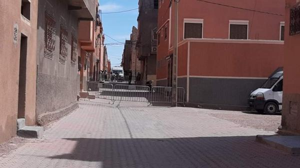إغلاق حي بالكامل بورزازات بعد تسجيل إصابة أحد سكانه بفيروس كورونا