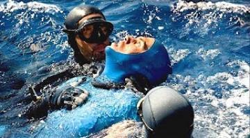 هذا الرجل بقي تحت الماء لمدة 24 دقيقة و سجل رقما قياسيا