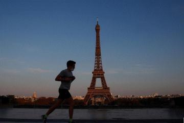 إغلاق تام في فرنسا في أول يوم من ثاني حجر صحي لكبح تفشي فيروس كورونا