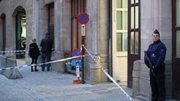 طعن رجل شرطة وسط بروكسل والدافع مجهول