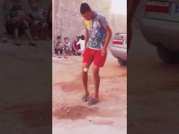 والله باباه ميسي إلا دارها.. موهبة مغربية تستحق التشجيع