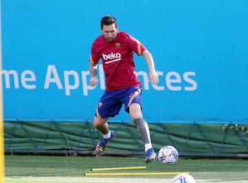 أول ظهور لميسي في تدريبات برشلونة