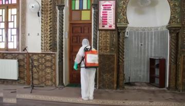 وضع صحي مقلق في تونس والجزائر تقرر إعادة فتح المساجد والشواطئ تدريجيا