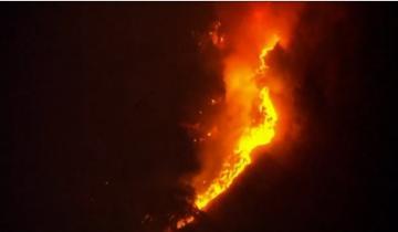 اندلاع حريق هائل في غابات كاليفورنيا وإخلاء مئات المنازل