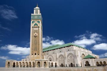مسجد الحسن الثاني خامس أكبر مساجد العالم وأكبرها في أفريقيا