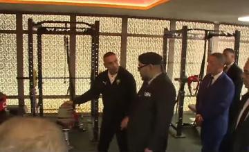 """الملك محمد السادس يدشن بسلا """"مركب محمد السادس لكرة القدم"""""""