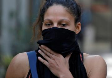 مشاركات في بطولة عالمية للملاكمة يضعن أقنعة بسبب التلوث