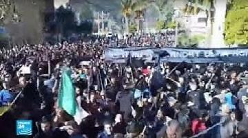 الجزائر: مظاهرات شعبية رافضة لترشح بوتفليقة للانتخابات الرئاسية