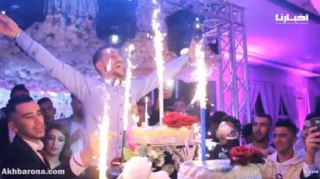 مجموعة فيسبوكية تحتفل بأعضائها الشباب على طريقة الأعراس