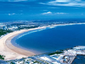 قرار إغلاق سوق الأحد وشواطئ أكادير يدخل حيز التنفيذ