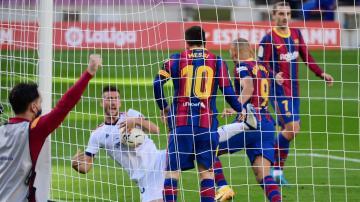 برشلونة يستعيد توازنه في الليغا بفوز رباعي على أوساسونا