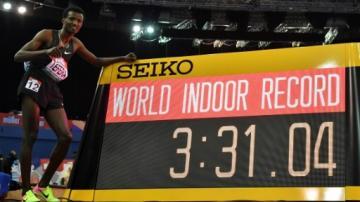 عداء اثيوبي يُحطم رقما قياسيا للمغربي هشام الكروج عمره 22 سنة!