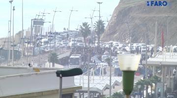 لن تصدق عدد السيارات العالقة في صف الانتظار في نقطة حدود سبتة المحتلة