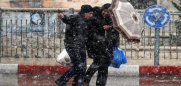 توقع نزول أمطار وزخات عاصفية وثلوج في هذه المناطق