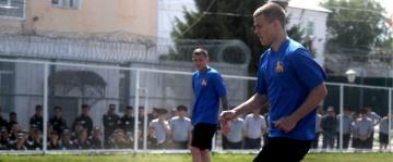 ريال مدريد يسعى لإرساء القيم الرياضية في 23 سجنا