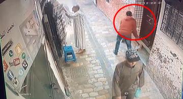 تطوان.. كاميرا المراقبة ترصد سرقة في واضحة النهار بالمدينة العتيقة