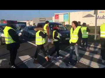 حيلة ذكية استعملها فرنسيون لشل حركة السير تفاديا للمساءلة القانونية