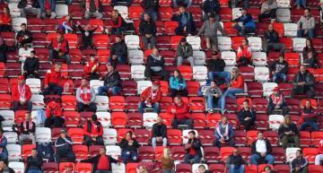 المشجعون في المجر يعودون الى مدرجات الملاعب