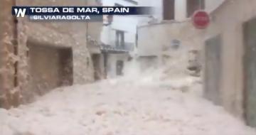 هكذا أصبحت (كاتلونيا) شرق إسبانيا بسبب إعصار جلوريا الذي ضرب البلاد