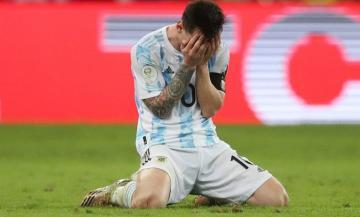 شاهد لحظة إعلان الأرجنتين بطلة لكوبا أمريكا وبكاء الأسطورة ليونيل ميسي