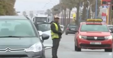 معاناة السائقين من تصرفات بعض حراس مواقف السيارات