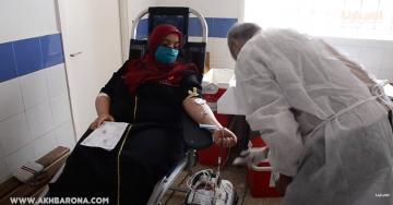 إقبال كبير للمواطنين على التبرع بالدم في حملة نظمها متطوعون بالصخيرات