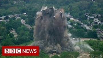 لحظة انهيار برج من 21 طابقا في 16 ثانية