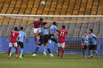 الأهلي المصري يعلن إقالة مدربه لاسارتي