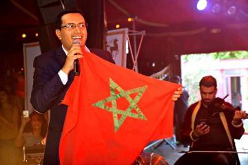 """دفاعا عن التراث المغربي: الفنان """"عبد العالي أنور"""" ينتصر في معركته ضد فنان جزائري"""