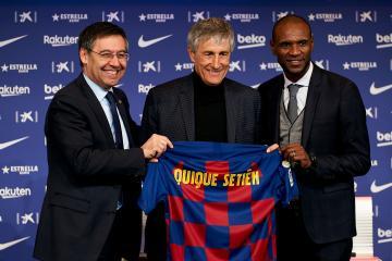 مدرب برشلونة الجديد يعد بتقديم كرة قدم جيدة