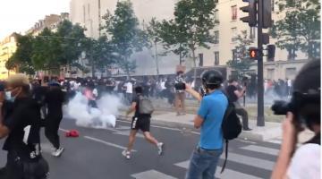 احتجاجات وحرائق واشتباكات مع الشرطة في باريس