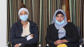 شاهد: سيدتان مسلمتان ترويان تفاصيل الاعتداء العنصري عليهما وطعنهما بالقرب من برج إيفل