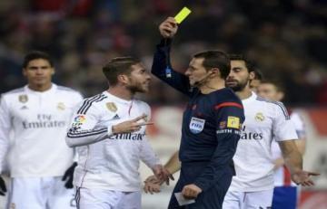 الفيديو الذي يفضح تعمد راموس الحصول على بطاقة صفراء في مباراة أياكس